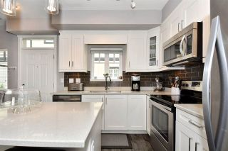 """Photo 10: 209 2273 TRIUMPH Street in Vancouver: Hastings Townhouse for sale in """"Triumph"""" (Vancouver East)  : MLS®# R2412487"""
