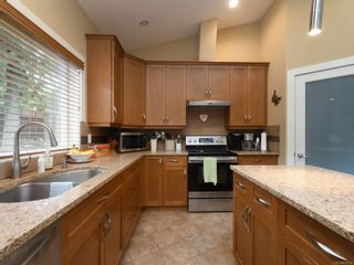 Photo 4: 6830 East Saanich Rd in : CS Saanichton House for sale (Central Saanich)  : MLS®# 873148