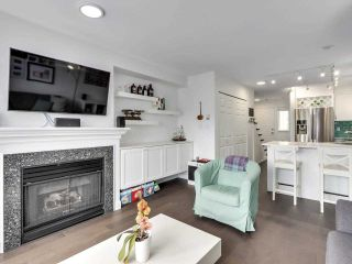 """Photo 7: 210 2545 W BROADWAY Avenue in Vancouver: Kitsilano Townhouse for sale in """"Trafalgar Mews"""" (Vancouver West)  : MLS®# R2590394"""