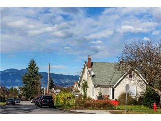 """Photo 12: 3697 W 15TH Avenue in Vancouver: Point Grey House for sale in """"Point Grey"""" (Vancouver West)  : MLS®# V1107915"""