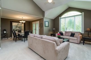 Photo 2: 6459 184 Street in Surrey: Cloverdale BC House for sale (Cloverdale)  : MLS®# R2106667