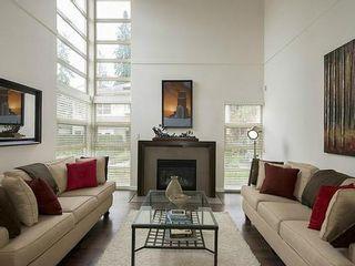 Photo 2: 38 3750 EDGEMONT Blvd in Capilano Highlands: Home for sale : MLS®# V999418