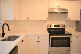 """Photo 2: 22711 GILLEY Avenue in Maple Ridge: East Central Townhouse for sale in """"CEDAR GROVE"""" : MLS®# R2528344"""