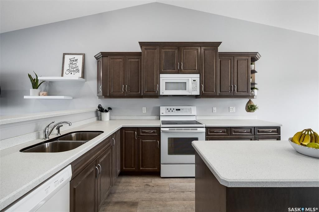 Main Photo: 900 4th Street South in Martensville: Residential for sale : MLS®# SK858827