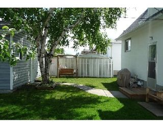 Photo 2: 753 STEWART ST in WINNIPEG: Westwood / Crestview Single Family Detached for sale (West Winnipeg)  : MLS®# 2914268