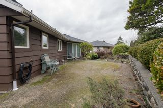"""Photo 31: 4391 MAHON Avenue in Burnaby: Deer Lake Place House for sale in """"DEER LAKE PLACE"""" (Burnaby South)  : MLS®# R2429871"""