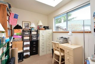 """Photo 11: 2958 KIDD Road in Surrey: Crescent Bch Ocean Pk. House for sale in """"Crescent Beach"""" (South Surrey White Rock)  : MLS®# R2039219"""