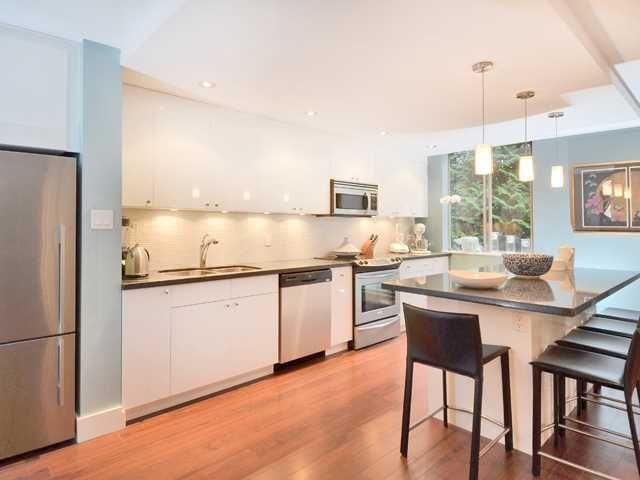 "Main Photo: 404 2016 FULLERTON Avenue in North Vancouver: Pemberton NV Condo for sale in ""Woodcroft-Lilloet"" : MLS®# V994466"