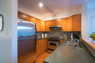 """Photo 11: PH 401 2181 W 12TH Avenue in Vancouver: Kitsilano Condo for sale in """"THE CARLINGS"""" (Vancouver West)  : MLS®# R2516161"""