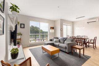 """Photo 3: PH3 5555 DUNBAR Street in Vancouver: Dunbar Condo for sale in """"Fifty-Five 55 Dunbar"""" (Vancouver West)  : MLS®# R2516441"""