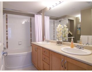 """Photo 7: 204 2958 WHISPER Way in Coquitlam: Westwood Plateau Condo for sale in """"SUMMERLIN"""" : MLS®# V786045"""