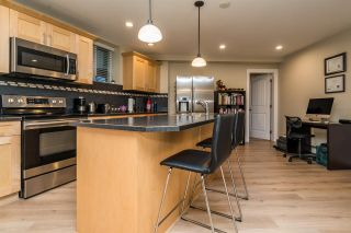 """Photo 32: 21658 92B Avenue in Langley: Walnut Grove House for sale in """"Central Walnut Grove"""" : MLS®# R2495543"""