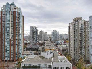"""Photo 11: 1606 989 RICHARDS Street in Vancouver: Downtown VW Condo for sale in """"MONDRIAN I"""" (Vancouver West)  : MLS®# R2122201"""