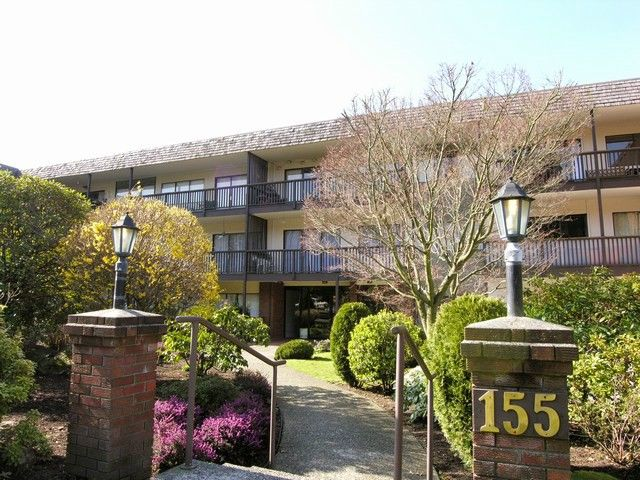 """Main Photo: 312 155 E 5TH Street in North Vancouver: Lower Lonsdale Condo for sale in """"Winchester Estates"""" : MLS®# V1023785"""