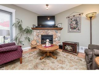 """Photo 6: 4063 CHANNEL Street in Abbotsford: Abbotsford East House for sale in """"Sandyhill"""" : MLS®# R2078342"""