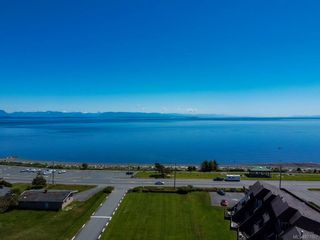 Photo 32: 303 2730 S Island Hwy in : CR Willow Point Condo for sale (Campbell River)  : MLS®# 877067