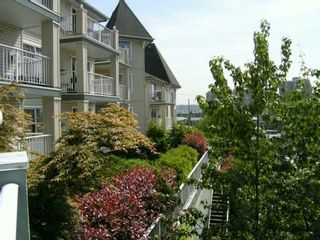 """Photo 7: 1035 AUCKLAND Street in New Westminster: Uptown NW Condo for sale in """"QUEENS TERRACE"""" : MLS®# V590567"""