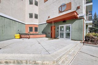 Photo 2: 302 69 Springborough Court SW in Calgary: Springbank Hill Apartment for sale : MLS®# A1085302