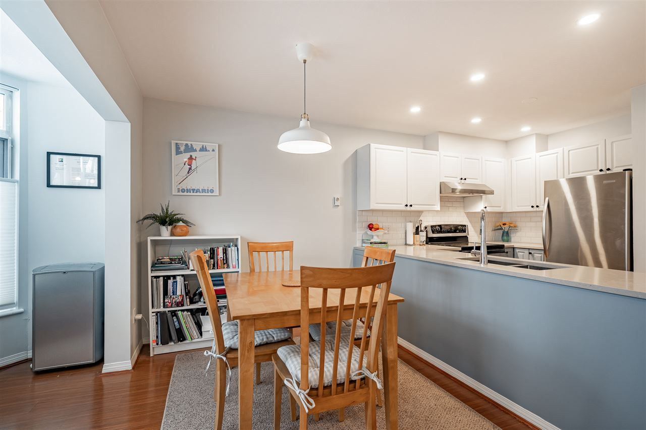 """Photo 11: Photos: 108 2677 E BROADWAY in Vancouver: Renfrew VE Condo for sale in """"BROADWAY GARDENS"""" (Vancouver East)  : MLS®# R2434845"""