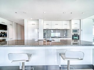 "Photo 12: 305 6093 IONA Drive in Vancouver: University VW Condo for sale in ""Coast"" (Vancouver West)  : MLS®# R2489520"