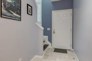 Photo 3: 256 Shawinigan Drive SW in Calgary: Shawnessy Row/Townhouse for sale : MLS®# A1050807