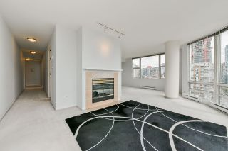 """Photo 6: 2002 1500 HORNBY Street in Vancouver: Yaletown Condo for sale in """"888 BEACH"""" (Vancouver West)  : MLS®# R2461920"""