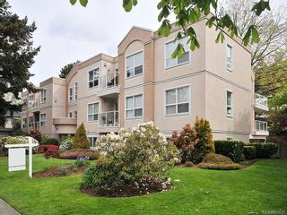 Photo 1: 304 9861 Fifth St in SIDNEY: Si Sidney North-East Condo for sale (Sidney)  : MLS®# 605635