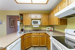 Photo 7: 19639 SOMERSET Drive in Pitt Meadows: Mid Meadows House for sale : MLS®# R2524846