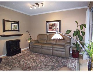 Photo 2: 831 ALEXANDER Bay in Port_Moody: North Shore Pt Moody Townhouse for sale (Port Moody)  : MLS®# V679420