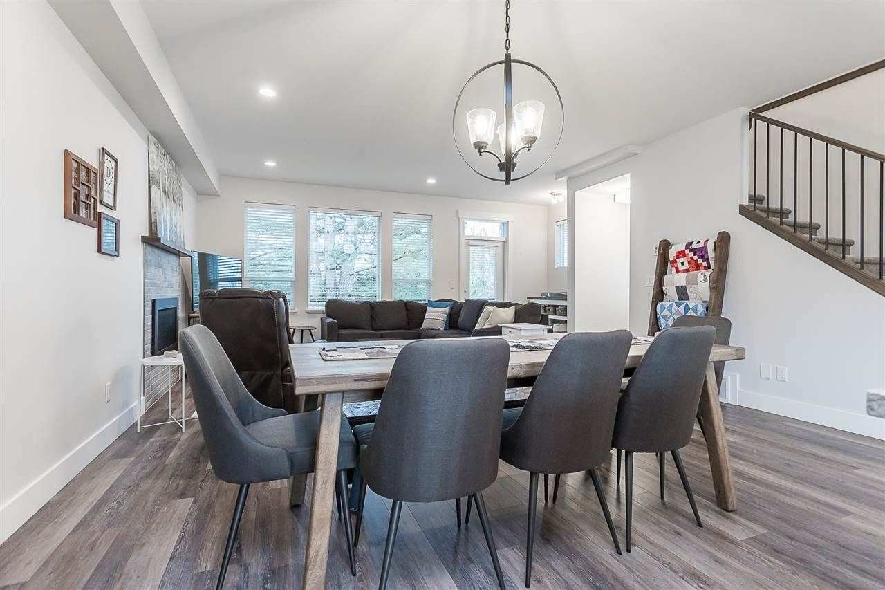 """Photo 12: Photos: 4 4295 OLD CLAYBURN Road in Abbotsford: Abbotsford East House for sale in """"Sunspring Estates"""" : MLS®# R2562456"""