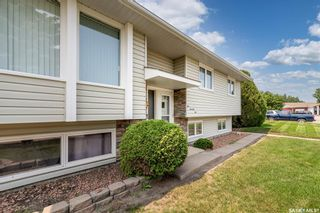 Photo 2: 1071 Corman Crescent in Moose Jaw: Palliser Residential for sale : MLS®# SK864336