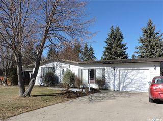 Photo 2: 391 Circlebrooke Drive in Yorkton: South YO Residential for sale : MLS®# SK846299