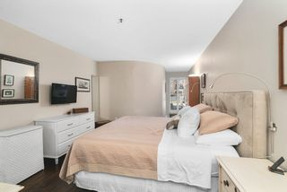"""Photo 15: 102 2 RENAISSANCE Square in New Westminster: Quay Condo for sale in """"The Lido"""" : MLS®# R2467538"""