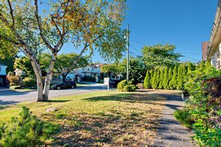Photo 3: 7288 WAVERLEY AVENUE in Burnaby: Metrotown House for sale (Burnaby South)  : MLS®# R2209918
