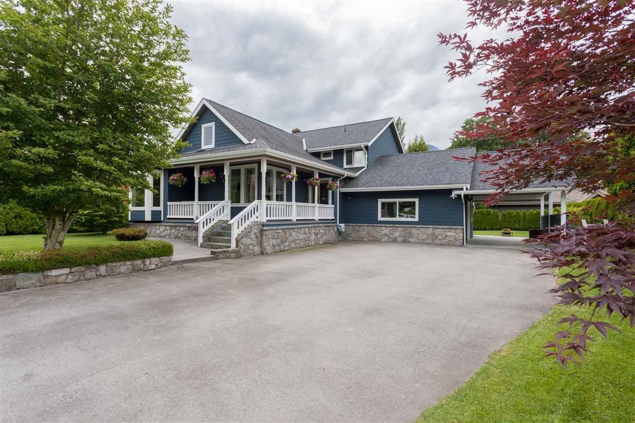 Main Photo: 2250 READ Crescent in Squamish: Garibaldi Highlands House for sale : MLS®# R2362709