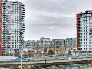 "Photo 5: 584 87 NELSON Street in Vancouver: Yaletown Condo for sale in ""THE ARC"" (Vancouver West)  : MLS®# R2542378"