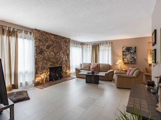 """Photo 5: 9502 WILLOWLEAF Place in Burnaby: Forest Hills BN Townhouse for sale in """"Willowleaf"""" (Burnaby North)  : MLS®# R2588078"""