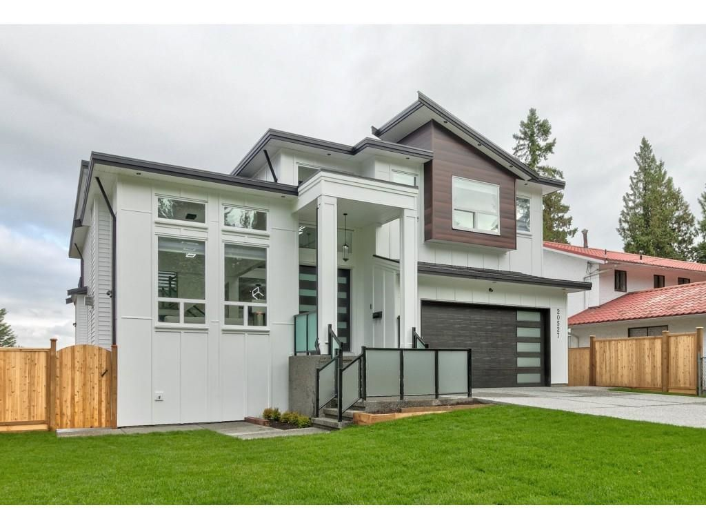Main Photo: 20527 GRADE Crescent in Langley: Langley City House for sale : MLS®# R2620751