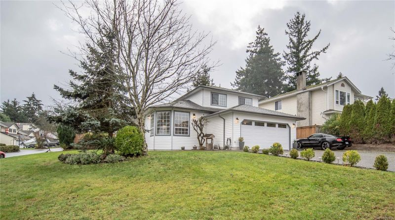 FEATURED LISTING: 2107 Aaron Way