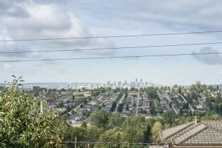 Photo 4: 180 DELTA AVENUE in Burnaby North: Home for sale : MLS®# R2106919