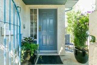 Photo 3: 120 OEMING Road in Edmonton: Zone 14 House Half Duplex for sale : MLS®# E4252455