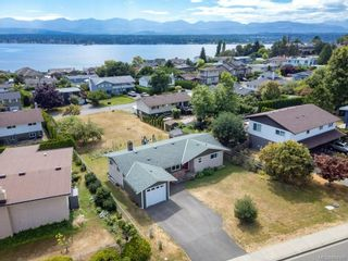 Photo 37: 2045 Beaufort Ave in : CV Comox (Town of) House for sale (Comox Valley)  : MLS®# 884580