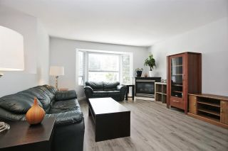 Photo 4: 45323 MCINTOSH Drive in Chilliwack: Chilliwack W Young-Well House for sale : MLS®# R2584322