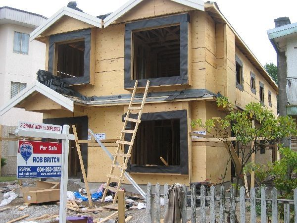 Photo 3: Photos: 450 E 44TH Avenue in Vancouver: Fraser VE 1/2 Duplex for sale (Vancouver East)  : MLS®# V681157