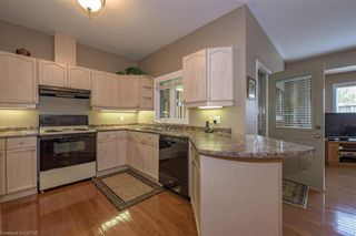 Photo 12: 34 1555 HIGHBURY Avenue in London: East A Residential for sale (East)  : MLS®# 40138511