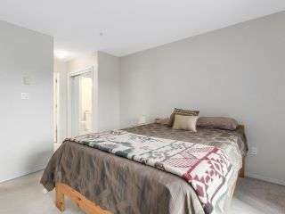 """Photo 12: 216 2559 PARKVIEW Lane in Port Coquitlam: Central Pt Coquitlam Condo for sale in """"THE CRESCENT"""" : MLS®# R2156465"""
