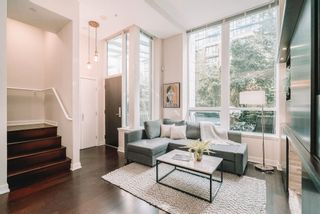 """Photo 1: 1057 RICHARDS Street in Vancouver: Downtown VW Townhouse for sale in """"THE DONOVAN"""" (Vancouver West)  : MLS®# R2623044"""