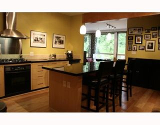 "Photo 2: 202 560 RAVEN WOODS Drive in North_Vancouver: Roche Point Condo for sale in ""SEASONS WEST"" (North Vancouver)  : MLS®# V654225"
