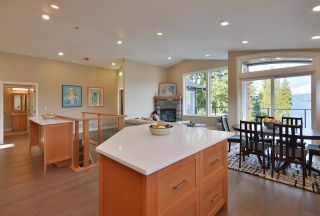 Photo 8: 6532 N GALE AVENUE in Sechelt: Sechelt District House for sale (Sunshine Coast)  : MLS®# R2554802