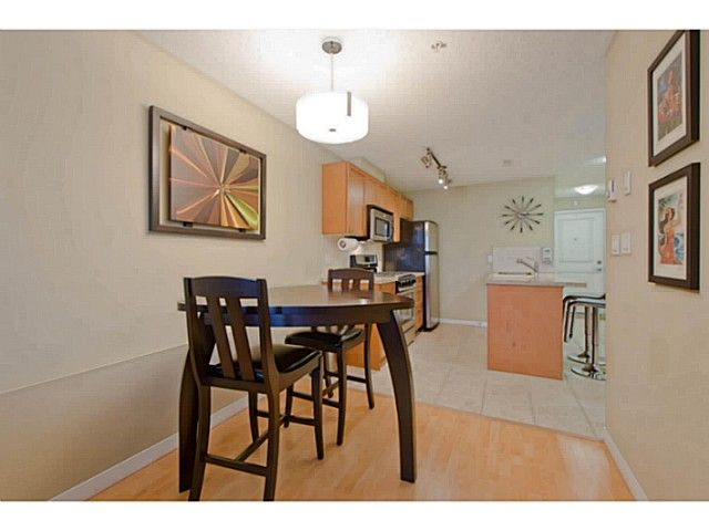 Photo 7: Photos: # 209 2636 E HASTINGS ST in Vancouver: Renfrew VE Condo for sale (Vancouver East)  : MLS®# V1039275
